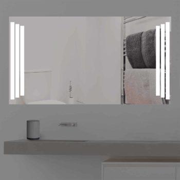 Badspiegel LED beleuchtet auf Sprungbrett